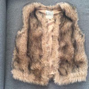 BB DAKOTA Faux Fur Vest Size S